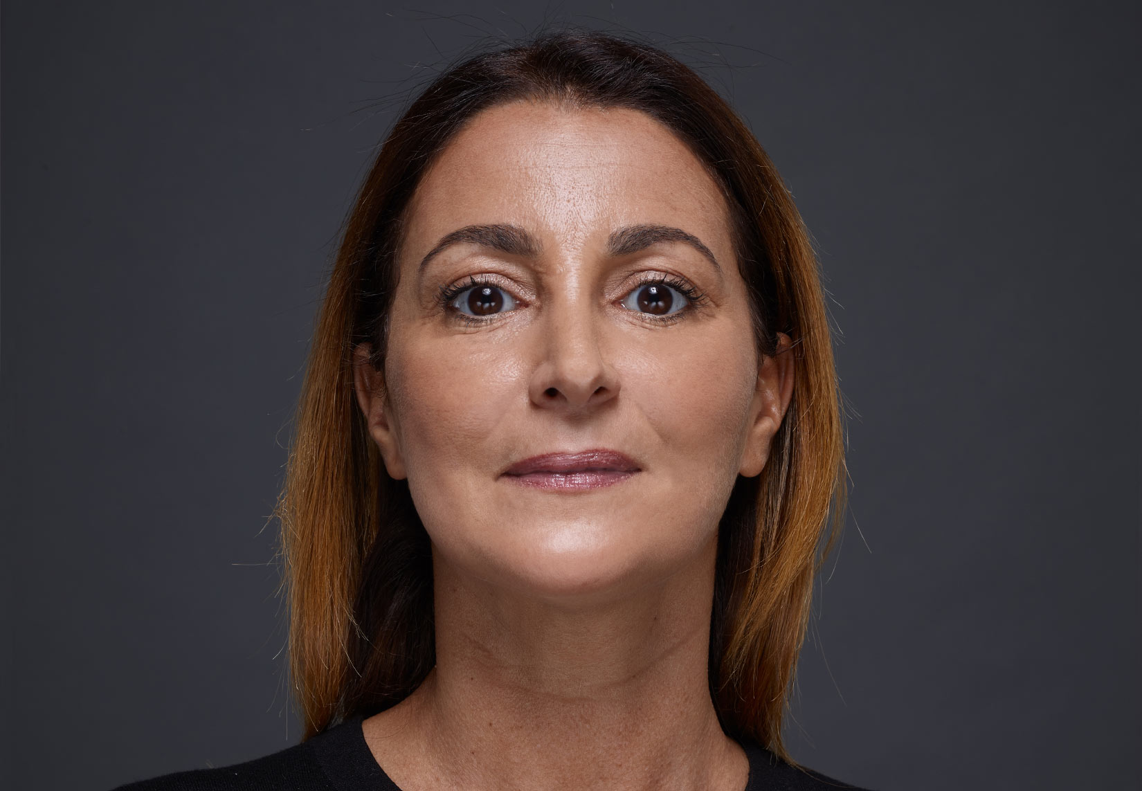 Woman face with brown eyes and brown hairs | Fillmed